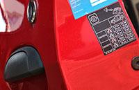 étiquette marquage automobile